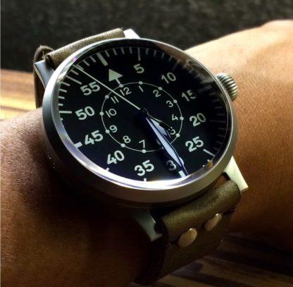 av001 type b pilot watch